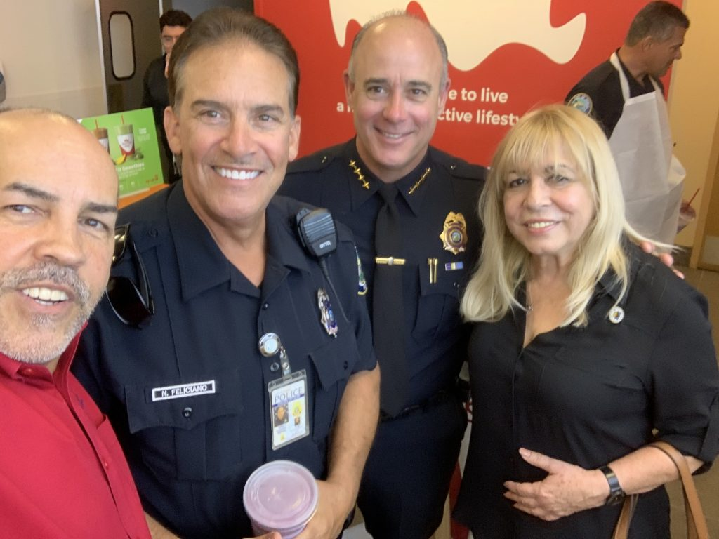 Manny Sarmiento for Mayor of City of Doral Smoothie with a Cop at Smoothie King Doral